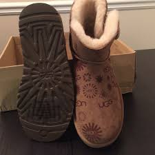 uggs on sale size 5 ugg sale ugg mini bailey button sun logo size 5 from