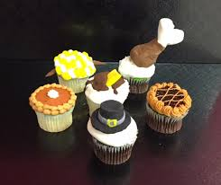 thanksgiving dinner themed cupcakes