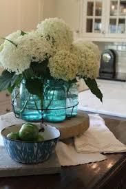 kitchen table decor white daisies house stuff pinterest