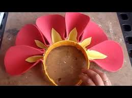 como hacer mascaras en forma de rosa disfraz flor diadema con petalos youtube