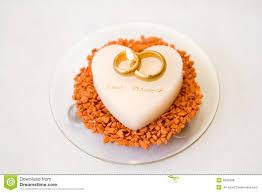 wedding rings on cake royalty free stock image image 2849496
