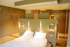 salle de bain dans la chambre chambre avec salle de bain ouverte et dressing waaqeffannaa org