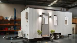 tiny house finder tiny house sells for 56 000 under the hammer in melbourne