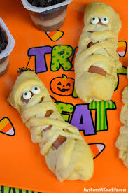 throw an easy diy halloween party tips and tricks jays sweet n