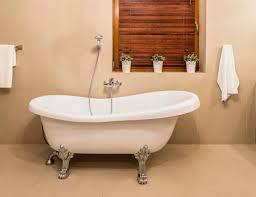 How To Scrub Bathtub How To Paint A Bathtub Bob Vila