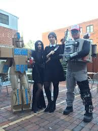 woman wins halloween with genius u0027amazon prime u0027 costume u2013 scary mommy