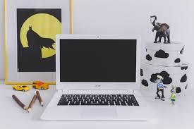 Desk Kid White Acer Chromebook On Kid S Desk Acer Child Chromebook