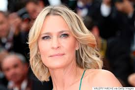 robin wright still isn t receiving equal pay for house of cards