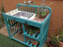 Build Outdoor Garden Table by Best 20 Outdoor Sinks Ideas On Pinterest Outdoor Kitchens For