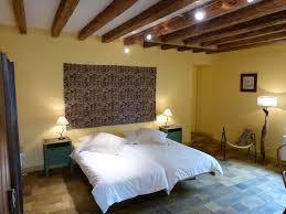 chambre fleurie chambres d hôtes domaine de la chapelle de vâtre