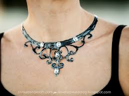 halloween necklace diy ilovetocreate