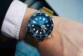 amazon best sellers best mens watches the 7 best seiko watches you can buy under 250 thrillist