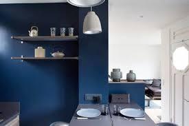 cuisine mur bleu cuisine ouverte bleu canard idées de décoration capreol us