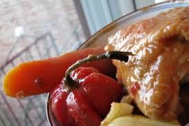 cuisine actuelle de l afrique il faut jouer avec sa nourriture mafé poulet sauce d arachide au