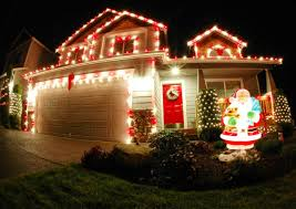 Christmas Outdoor Decorations And Lights by Ordinary Pictures Of Homes Decorated For Christmas Outside Part
