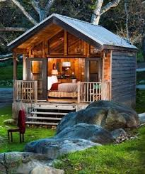 Build A Small Guest House Backyard How About This Tiny Lake House For Weekend Getaways Sheds