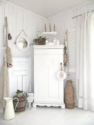 weiße möbel mit maritimer natürlicher deko loberon white weiss