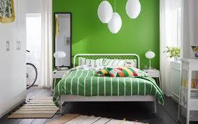 le f r schlafzimmer ein kleines schlafzimmer u a mit nesttun bettgestell in weiß und