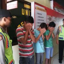 gadis dibawah umur digilir tiga pemuda mabuk memo update berita