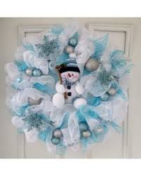 Decorating Christmas Wreath With Deco Mesh by Diy Christmas Wreath Ideas Deco Mesh Wreath Blue Mesh White