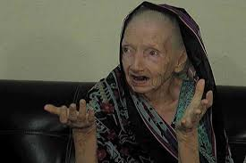75 year old woman pic nadra issues id card to 75 year old new muslim convert woman for