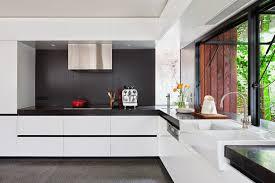 modern kitchen designs melbourne rehabilitación de una casa antigua con aspecto moderno en melbourne