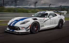 pictures of dodge viper dodge viper acr prepares for nürburgring record assault