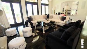 Celebrity Living Rooms Khloe Suffers Meltdown And Moves In 7 2m Home In Kuwtk New