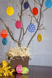 Easter Tree With Decorations by 5 Cheep Ways To Make Easter Egg Stra Special
