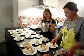 deux filles en cuisine caricaturiste chez 2 filles en cuisine
