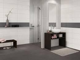 wandfliesen badezimmer die besten 25 badezimmer mit mosaik fliesen ideen auf