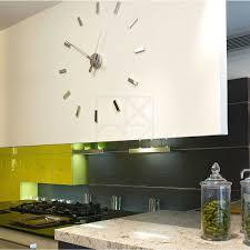 horloges murales cuisine impressionnant horloges murales design avec horloge murale design