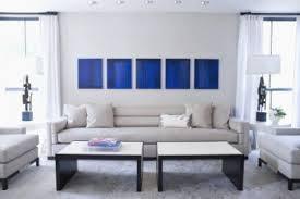canap gris perle deco salon bleu avec canape gris perle et tableau bleu klein