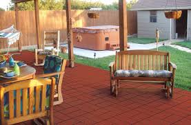 outdoor rubber pavers tiles mats and recycled rubber mulch