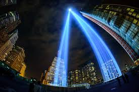 world trade center lights photos up close look at the world trade center s 9 11 tribute in