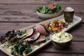 restaurants that serve thanksgiving dinner in portland