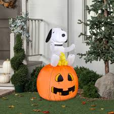 snoopy halloween decorations molecularmodelling info