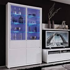 Holz Schrank Wohnzimmer Einrichtung Sitzgruppe Mit Couchtisch Im Wohnzimmer Roomido Com Moderne Tv
