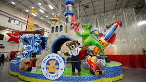 thanksgiving parade philadelphia see build a bear workshop u0027s new float for macy u0027s thanksgiving day