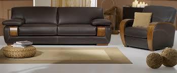canapé en cuir pas cher un avenir pour le canapé cuir et bois