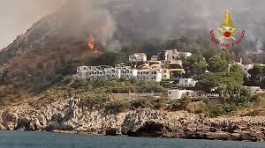Wildfire Country Club Canada by Tourists Evacuated From Sicily As Hundreds Of Wildfires Rage
