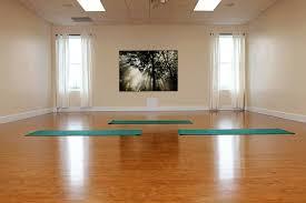 imagenes estudios yoga om yoga studio design build namaste pinterest estudios yoga