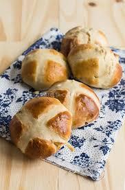cuisine anglaise recette recette de cross buns brioches anglais de pâques stella