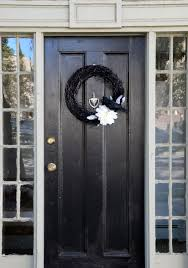 25 elegant halloween decor ideas black front door wreath loversiq