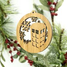 dr who tardis ornament wooden tree decoration