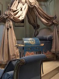 la chambre des file réédition du lit pour la chambre des bains de louis xvi à