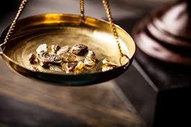 buying gold es trading