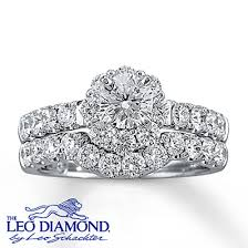 leo diamond ring this eye catching engagement ring features a center leo