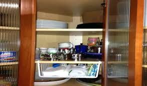 ideas to organize kitchen cabinets corner kitchen cabinet organization kitchen cabinets organization