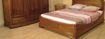 chambre à coucher bois massif chambre à coucher en bois et rangements meubles bois massif